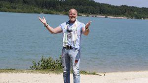 Schlagerstar Olaf Henning macht Praktikum im Pflegedienst