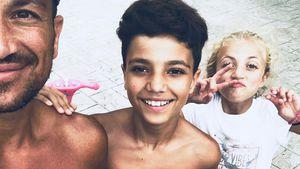 Horror-Flug: Peter Andre & Kids erleben Tod von Passagierin