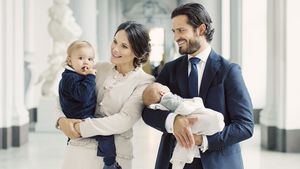 Erst Papa, dann Royal: Prinz Carl Philip verspätet zu Termin