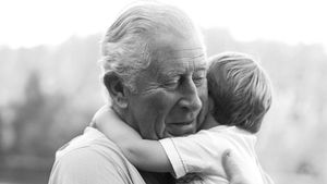 Mit neuem Foto: Prinz Charles gratuliert seinem Enkel Louis!