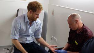 Prinz Harry bei einem HIV-Test