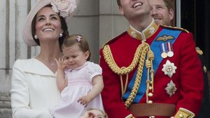 Herzogin Kate, Prinzessin Charlotte, Prinz George und Prinz William (v.l.n.r.)