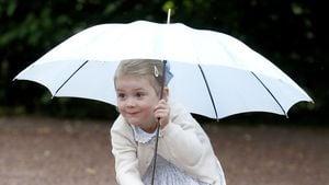 Prinzessin Estelle: Normalo-Erziehung geht der Mama zu weit?