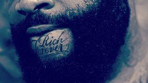 """Sprechendes Kinn: Rick Ross ist """"Rich Forever"""""""