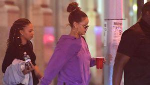 Wegen Pfunden? Rihanna geht im Jogginganzug feiern!