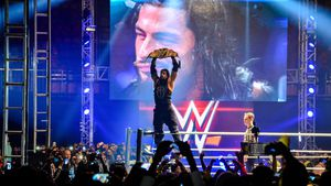 WWE-Star Matthew Anoa'i tot! Bruder Roman Reigns trauert