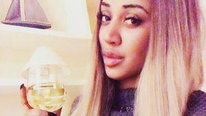 Sarah Joelle Jahnel mit einem Drink