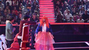 """""""The Voice Kids""""-Wette: Sasha verteilt im Kostüm Süßigkeiten"""