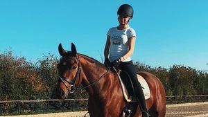 Kurz nach der Geburt: Scarlett Gartmann reitet schon wieder!