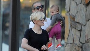 Stolze Mama: Scarlett Johansson zeigt Baby Rose