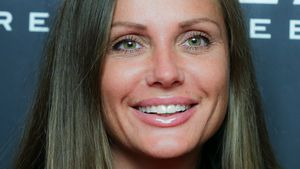 """Gehe fresh in' Knast"": Schwesta Ewa kriegt Hollywood-Gebiss"