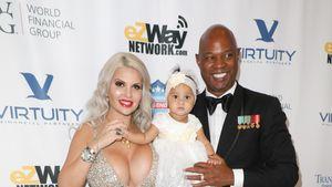 Wie süß: Sophia Vegas mit Mann und Tochter auf rotem Teppich