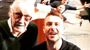 Superhelden-Selfie: Halb Hollywood posiert mit Stan Lee