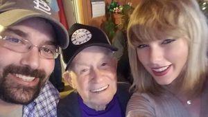Talor Swift mit ihren Fans Robert Frye und Cyrus Porter