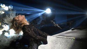 Diese Stars gratulieren Cara Delevingne mit intimen Bildern