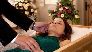 Dramatische Szenen! So wird VL-Patricia beerdigt