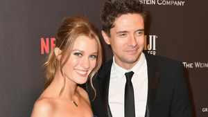 Topher Grace und Ashley Hinsaw bei der Golden-Globes-After-Party