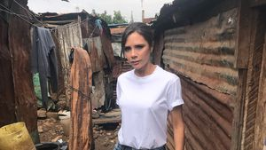 Shitstorm für Foto: Vic Beckham ohne BH in Dorf in Kenia!