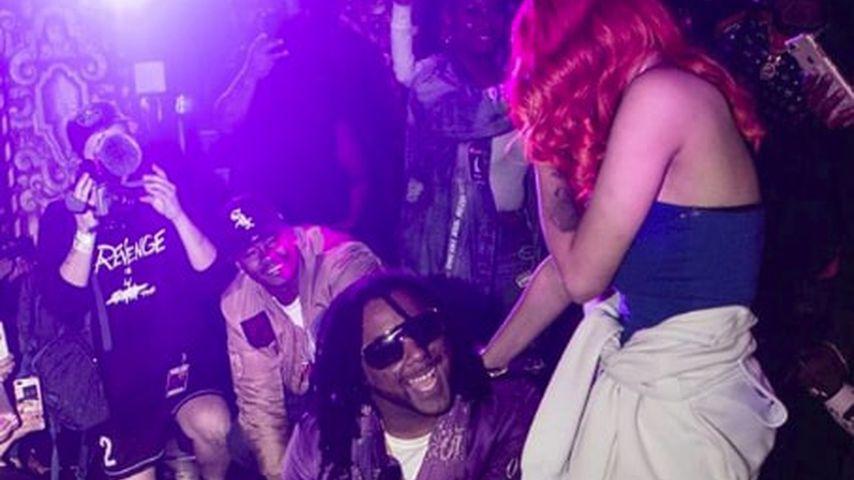 Vor Haftantritt: Rapper macht Freundin Antrag auf der Bühne!