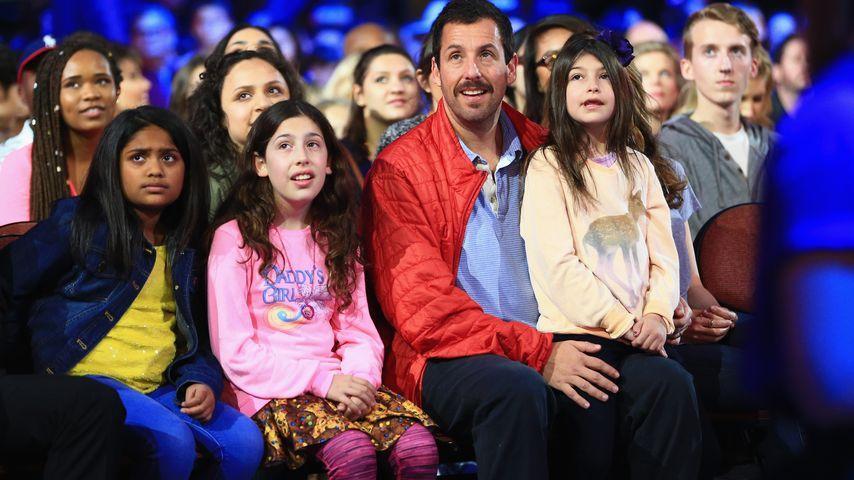 """Bei """"Kids' Choice Awards"""": Süßer Beistand für Adam Sandler"""