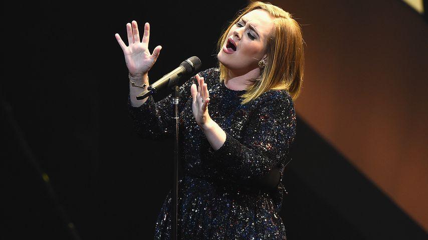 Adele bei einem Konzert in Philadelphia 2016