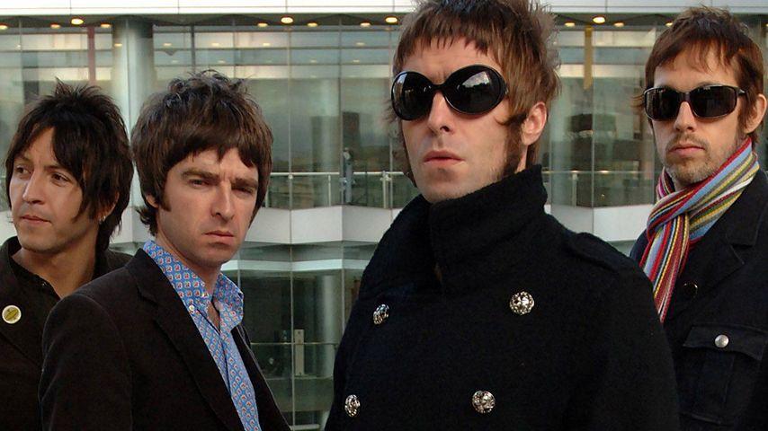 Noel Gallagher, Oasis und Liam Gallagher