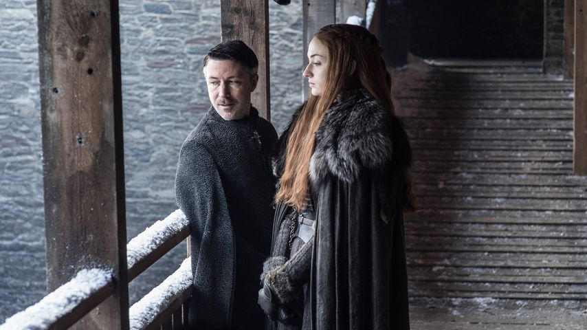 "Aidan Gillen und Sophie Turner in der siebten Staffel von ""Game of Thrones"""