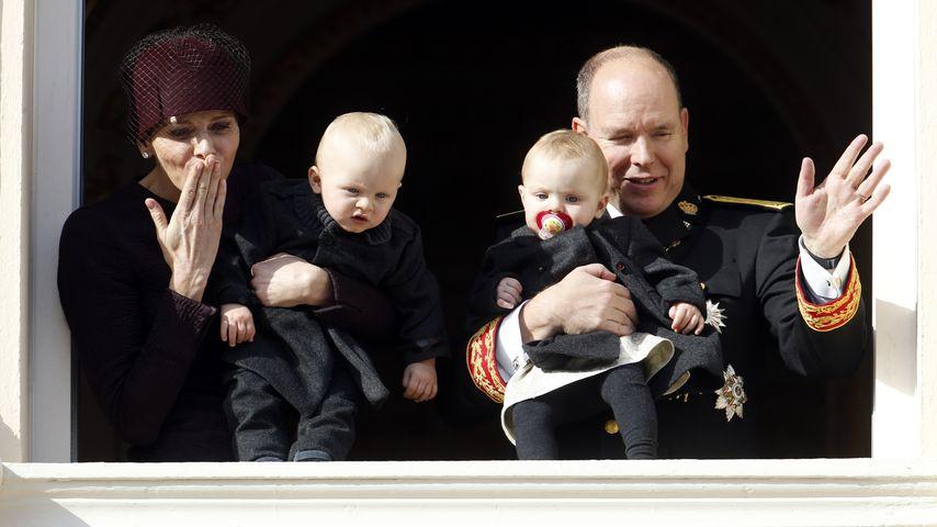 Fürstin Charlène, Albert II. von Monaco, Prinzessin Gabriella und Prinz Jacques