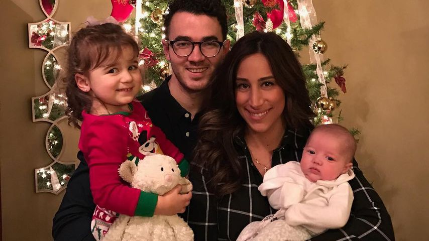 Alena Rose, Kevin, Danielle und Valentina Jonas an Weihnachten