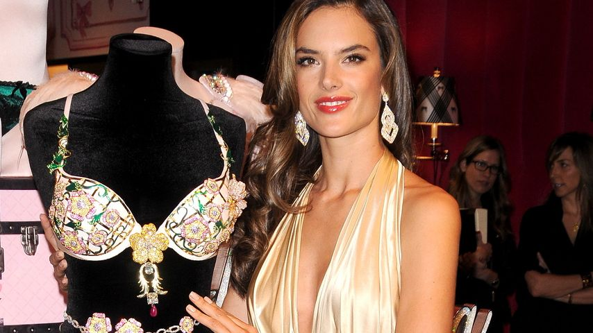Alessandra Ambrosio zeigt ihren teuren Luxus-BH
