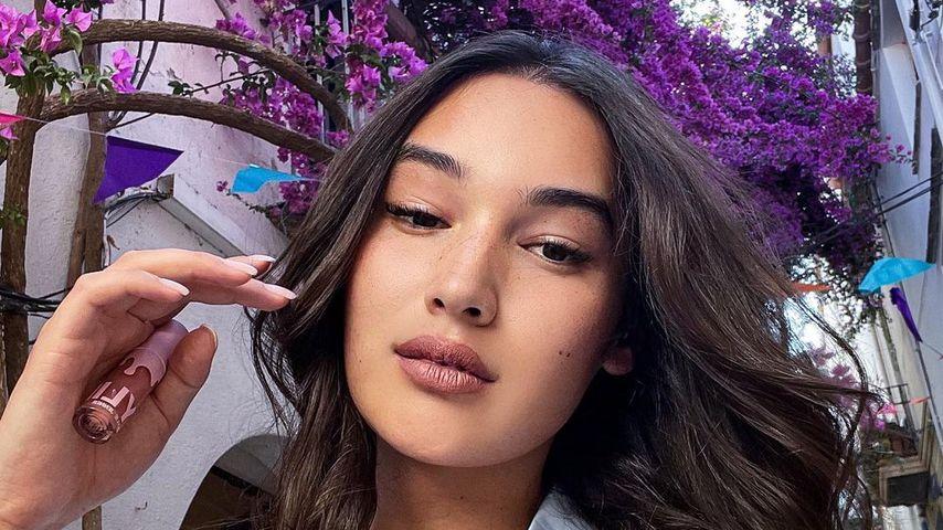 Model Alex Mariah