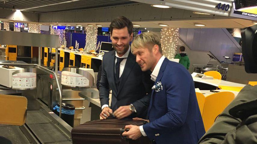 """Alexander """"Honey"""" Keen mit Nico Schwanz am Flughafen in Frankfurt"""