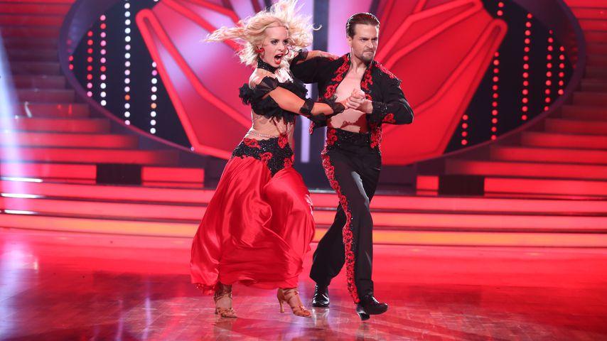 """Alexander Klaws und Isabel Edvardsson bei """"Lets' Dance"""" 2014"""
