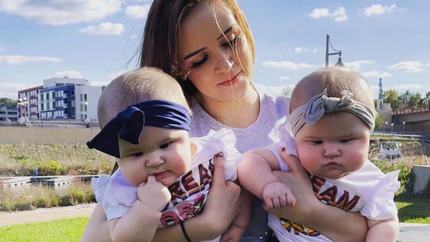 Alexis LaRue mit ihren Zwillingen Elena und Camila im Oktober 2021