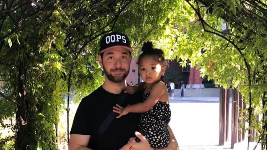 Alexis Ohanian mit seiner Tochter im August 2019