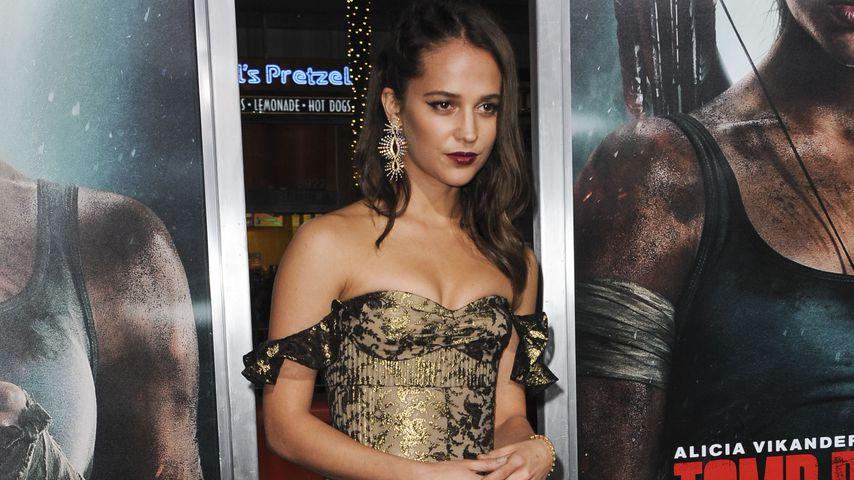 """Schauspielerin Alicia Vikander bei der Filmpremiere von """"Tomb Raider"""" in Los Angeles"""