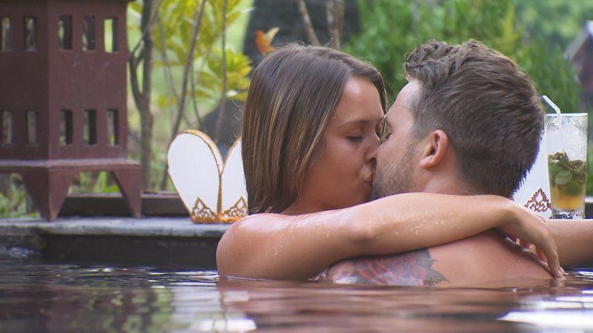Bachelorette-Alex: Das sagt seine Neue zum Kuss mit Alisa
