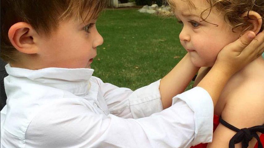 Herzige Geschwisterliebe: So süß sind Alyssa Milanos Kids