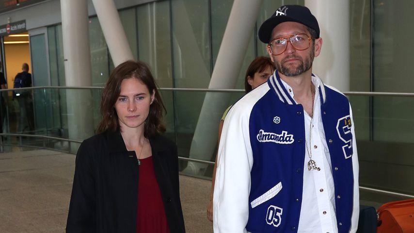Amanda Knox und Christopher Robinson am Flughafen in Toronto, Kanada