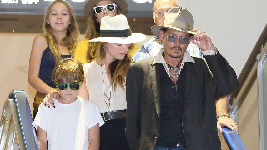 Amber Heard und Johnny Depp mit seinen Kindern Lily-Rose Depp und Jack Depp