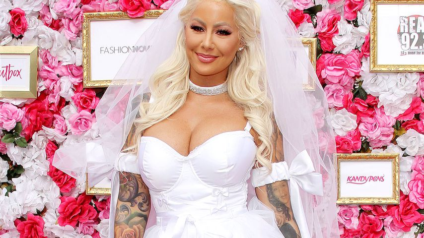 "Beim ""SlutWalk"" 2018: Model Amber Rose als sexy Braut!"