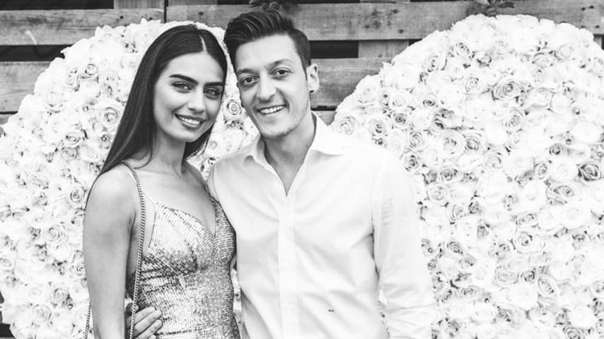 Mesut Özil mit seiner Frau Amine