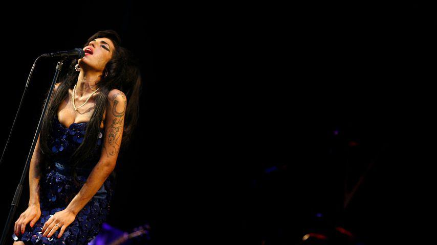 Amy Winehouse auf dem Glastonbury Festival, 2008