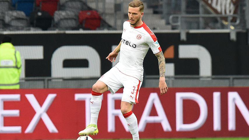 Autsch: Düsseldorf-Kicker erleidet Hodenriss bei Spiel!