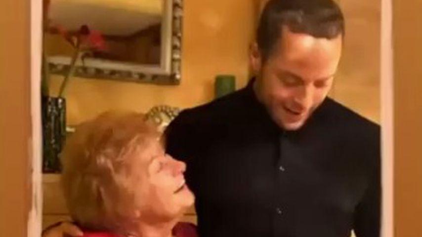 Andrej Mangold (r.) mit der Oma seiner Freundin Jennifer Lange