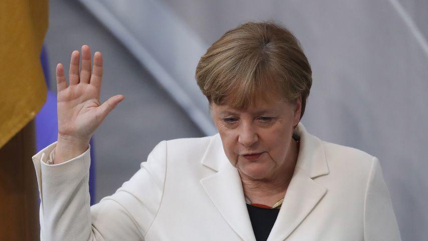 """Böhmermann attackiert Merkel: """"Du schaffst Absprung nicht!"""""""
