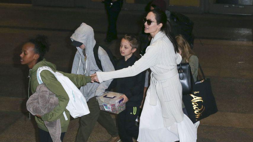 Disneyland ohne Brad: Angelina Jolie feiert Shilohs Bday!