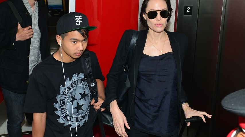 Angelina Jolie mit Sohn Pax bei Ankunft am LAX Airport in Los Angeles