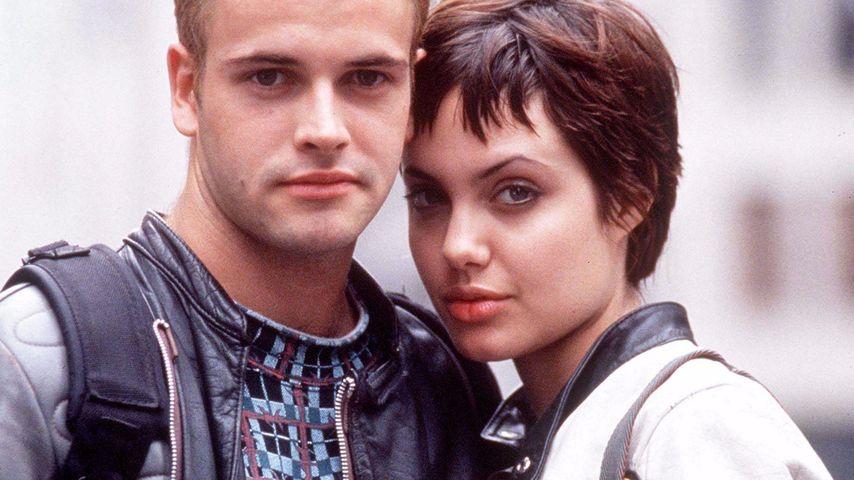 """Angelina Jolie und ihr Ex-Mann Jonny Lee Miller im Film """"Hackers"""" aus dem Jahr 1995"""