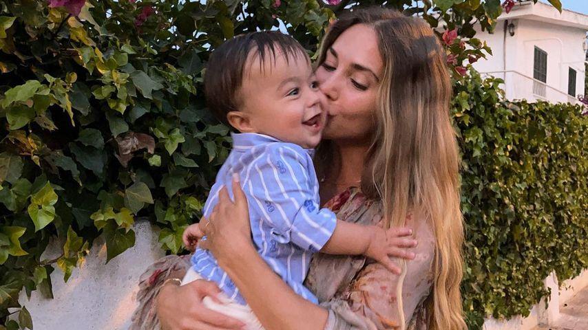 Ann-Kathrin Götze mit ihrem Sohn Rome im Juli 2021